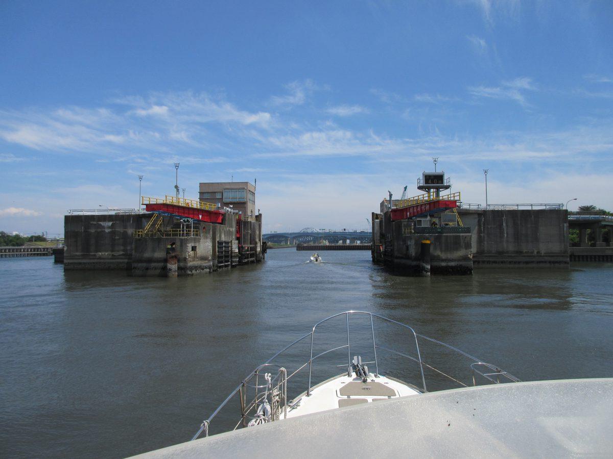 8月25日東京ディズ二ーシー沖 東京湾 合同、委託海洋散骨募集
